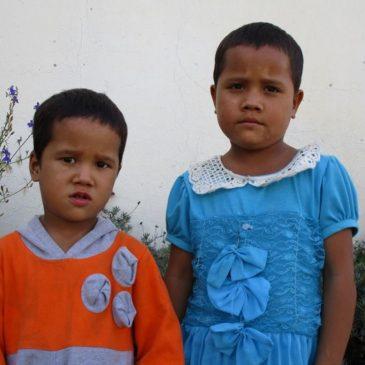 Deux soeurs à Children's Home
