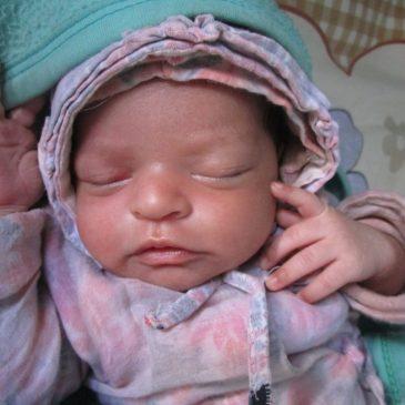 Arrivée d'un nouveau Bébé à l'Orphelinat
