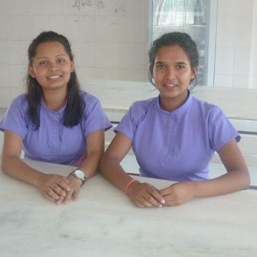Début des études pour Sushmita et Manakamana